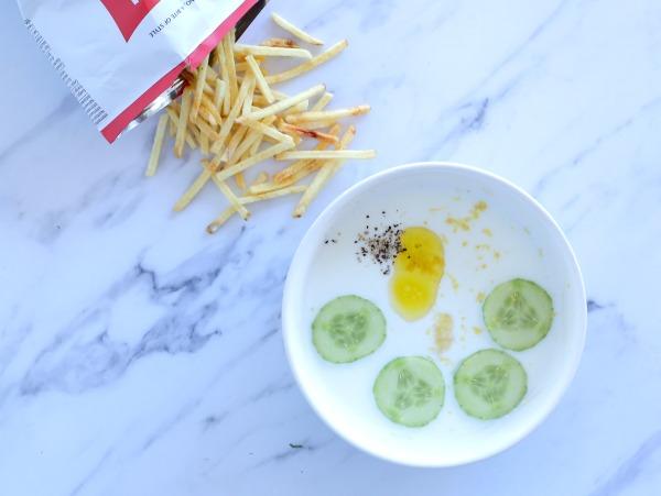 מה צריך כדי להכין מרק יוגורט קר_אירוח בסטייל_צילום ומתכון: טליה הדר מהבלוג אשת סטייל