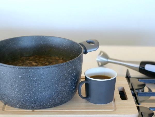 טיפ להכנת מרק קרמי_מתכון קל למרק_צילום ומתכון: טליה הדר אשת סטייל