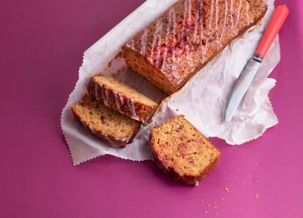עוגת סלק_עוגה בחושה עם סלק ותפוז_אירוח בסטייל_צילום דניאל לילה עבור לאשה_מתכון טליה הדר אשת סטייל