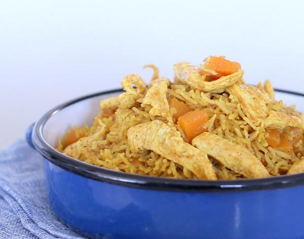 אורז עם דלעת ועוף_סגנון הודי שילדים אוהבים_מתכונים לארוחות צהריים לילדים_צילום ומתכון: טליה הדר אשת סטייל
