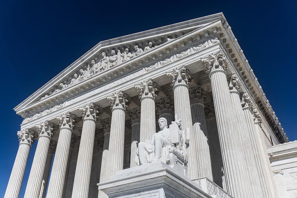 La Corte Suprema si pronuncia a Favore del Divieto di Viaggio