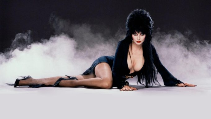Elvira – Mistress of The Dark – Why SDCC 2016 May be her Last Con