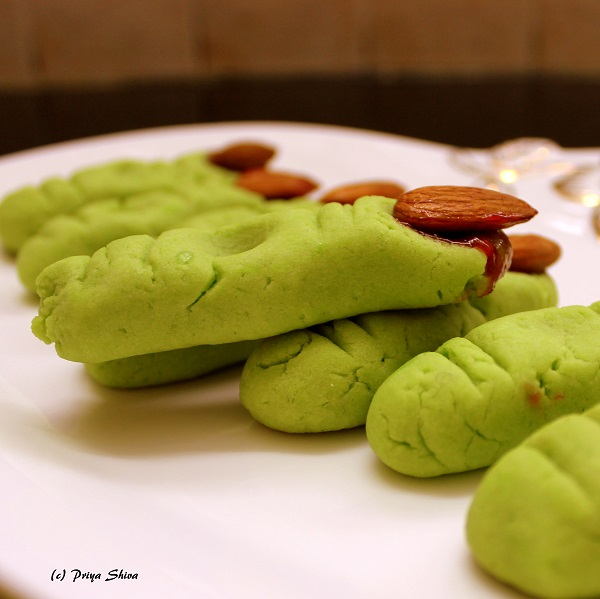 eggless-halloween-witch-finger-cookies