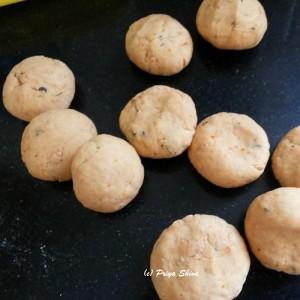 tomato poori dough balls