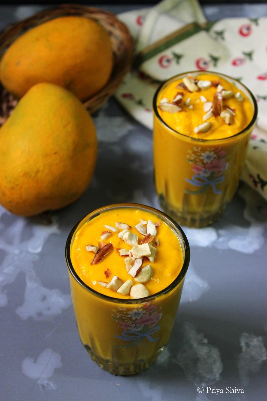Spiced Mango Oatmeal Smoothie