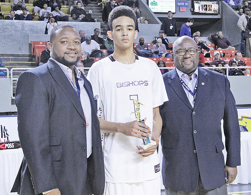 From left: Sherman Lea, Jr., with Bishops' Sacha Killeya–Jones and Sherman Lea, Sr. Jones was one of several MVPs picked at the multi-game Basketball Classic held at Roanoke's Berglund Center.