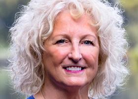 Lynn Calvert-Hayes
