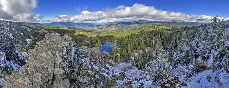 Hobart Bluff is one of our favorite hikes within a short drive of Ashland, Oregon