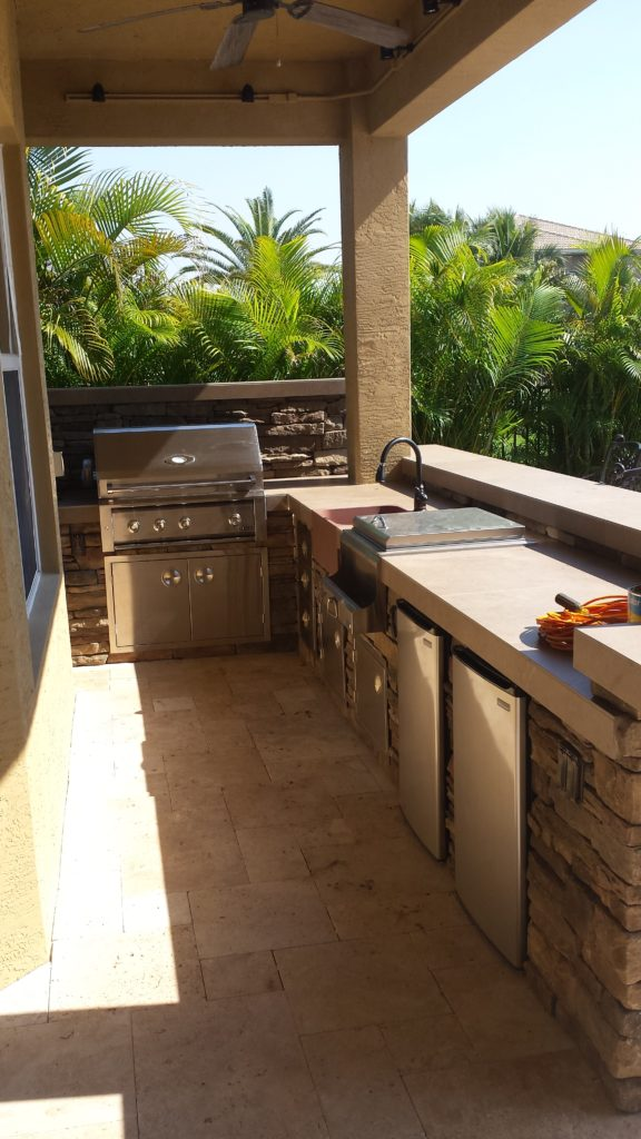 outdoor kitchen and bar area, Boynton beach