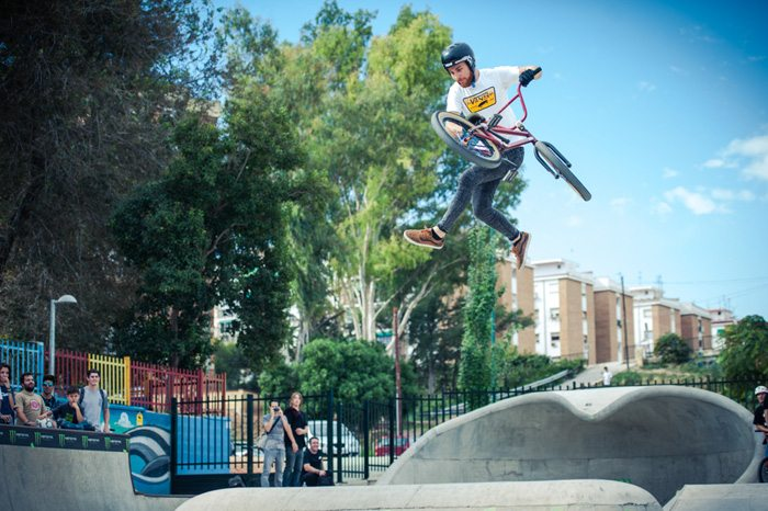 money-for-trick-bmx-tailwhip