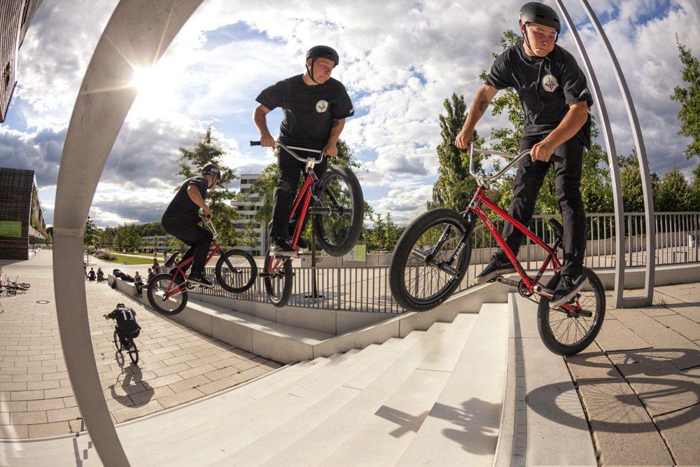 leon-hoppe-360-radio-bikes