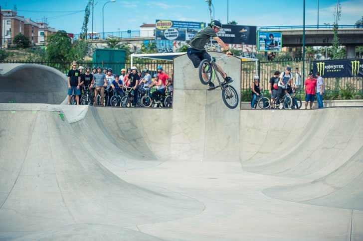 money-for-trick-2015-kevin-kaloff-turndown-bmx