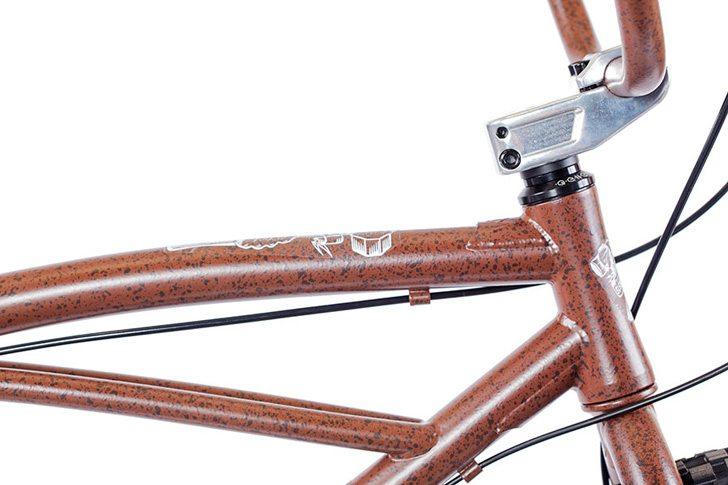 volume-bikes-2017-sledgehammer-26-bike-top-tube