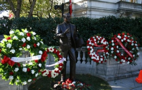 Washington Ataturk Heykeli