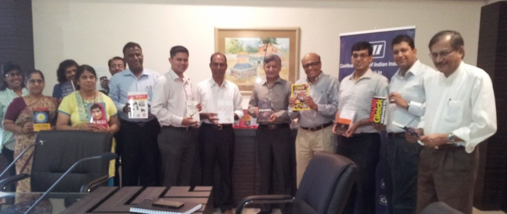 Panaji First donates books on Popular Science to Central Library