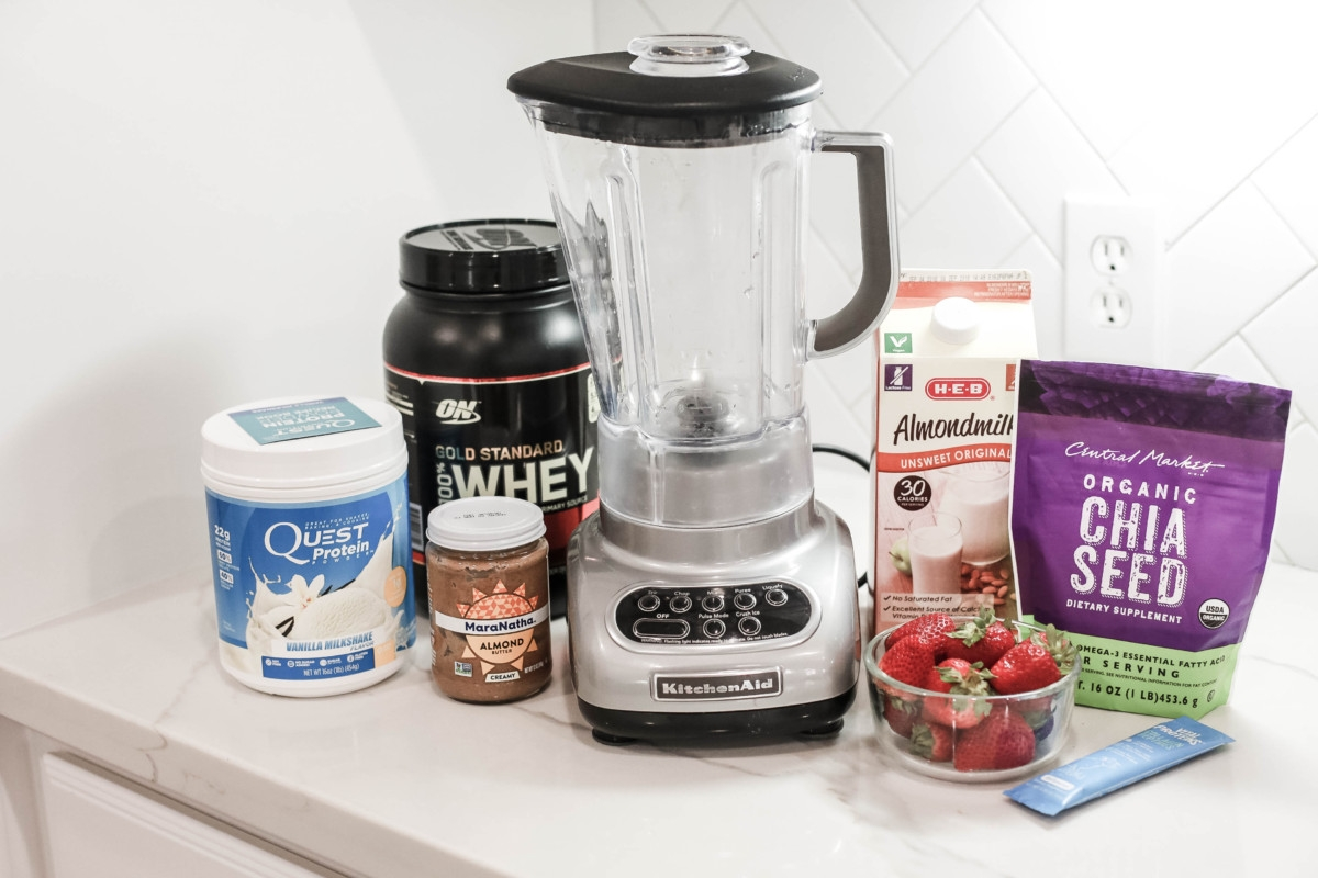 Top Three Best Smoothie Recipes From Fab 4 Smoothies featured by popular Houston lifestyle blogger Haute & Humid