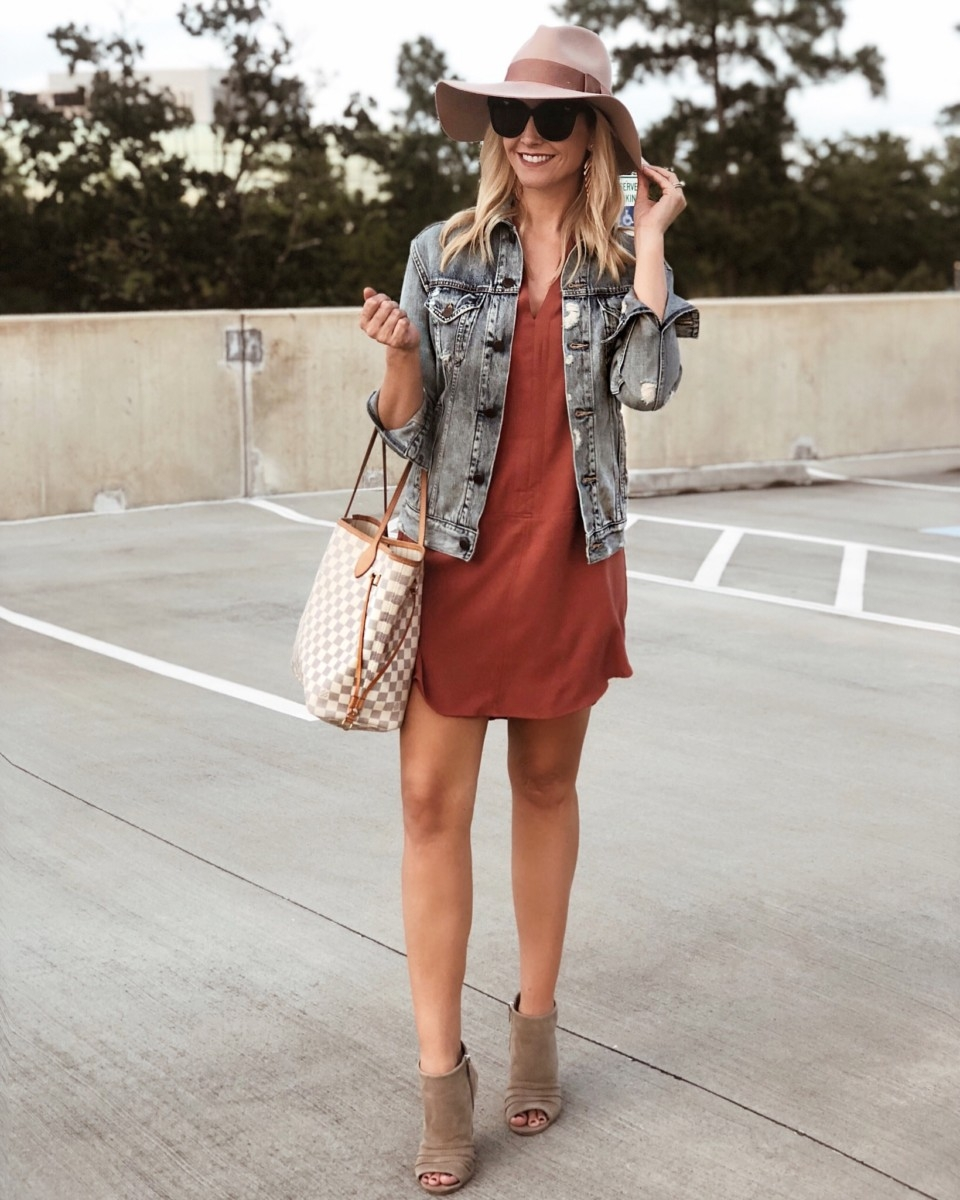 casual fall dress | Instagram | Amazon | Nordstrom | Madewell | Hunters | Gucci | Chanel | Fall Fashion: Instagram Roundup featured by top Houston fashion blog Haute & Humid