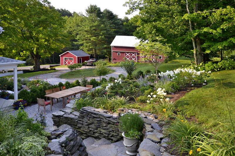 Richmond – outdoor dining terrace & lush gardens