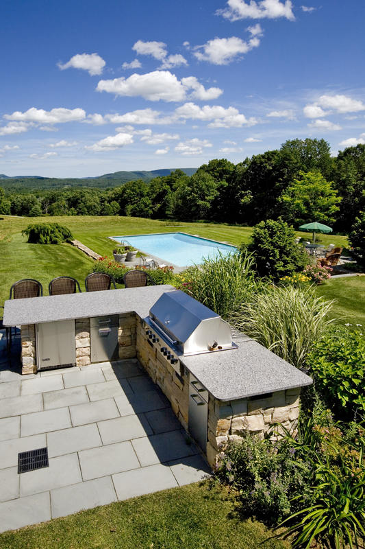 Alford – built in stone BBQ with granite counter