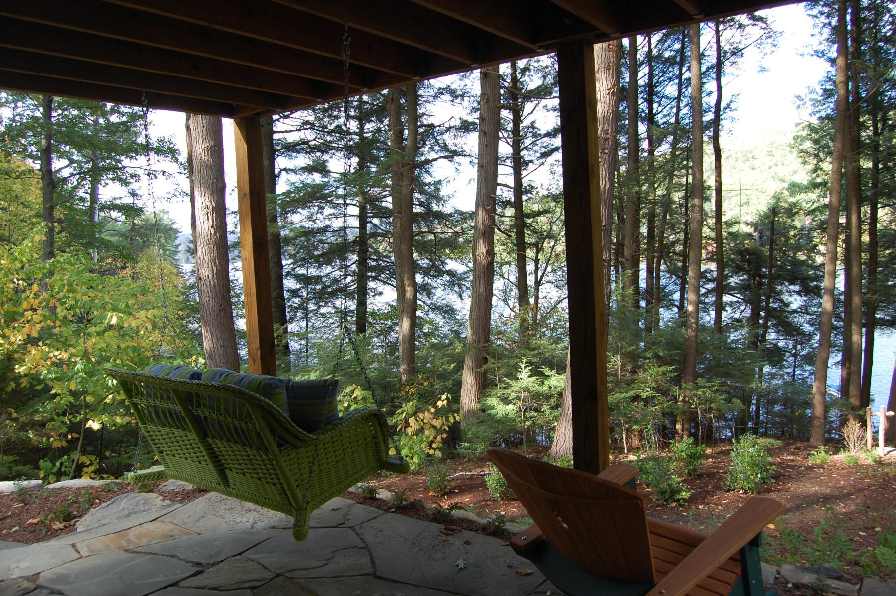 Monterey – Lake Garfield swinging chair