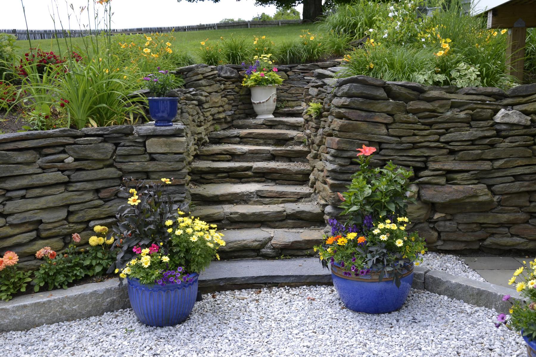 Richmond – Old Goshen wall & steps w summer displays