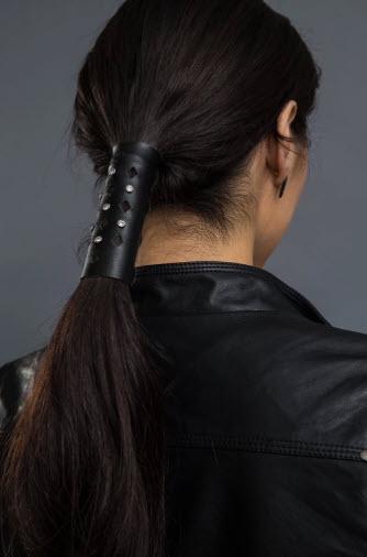 Diamond Cut-Out Stone w/Crystals Hair Glove