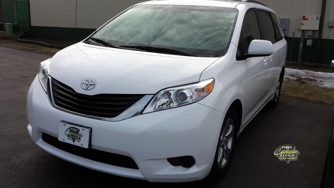 Toyota Sienna Collision Repair Minooka IL 60447
