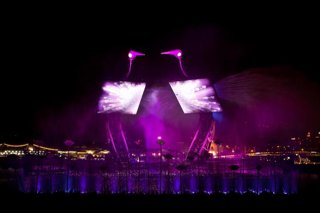 Universal Studios Singapore Resorts World Santosa Crane Dance (4).jpg