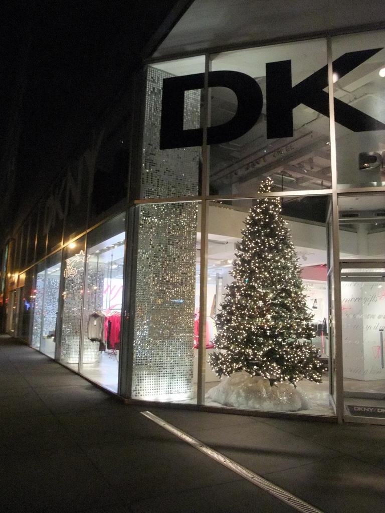 DKNY Madison 62 Store Facade Night Zoom 1 (768x1024).jpg