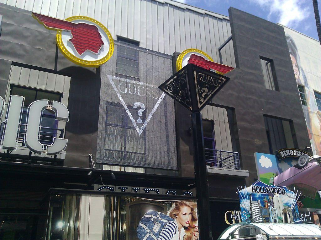 Guess Universal Citywalk CA Sign 2 (1024x764).jpg