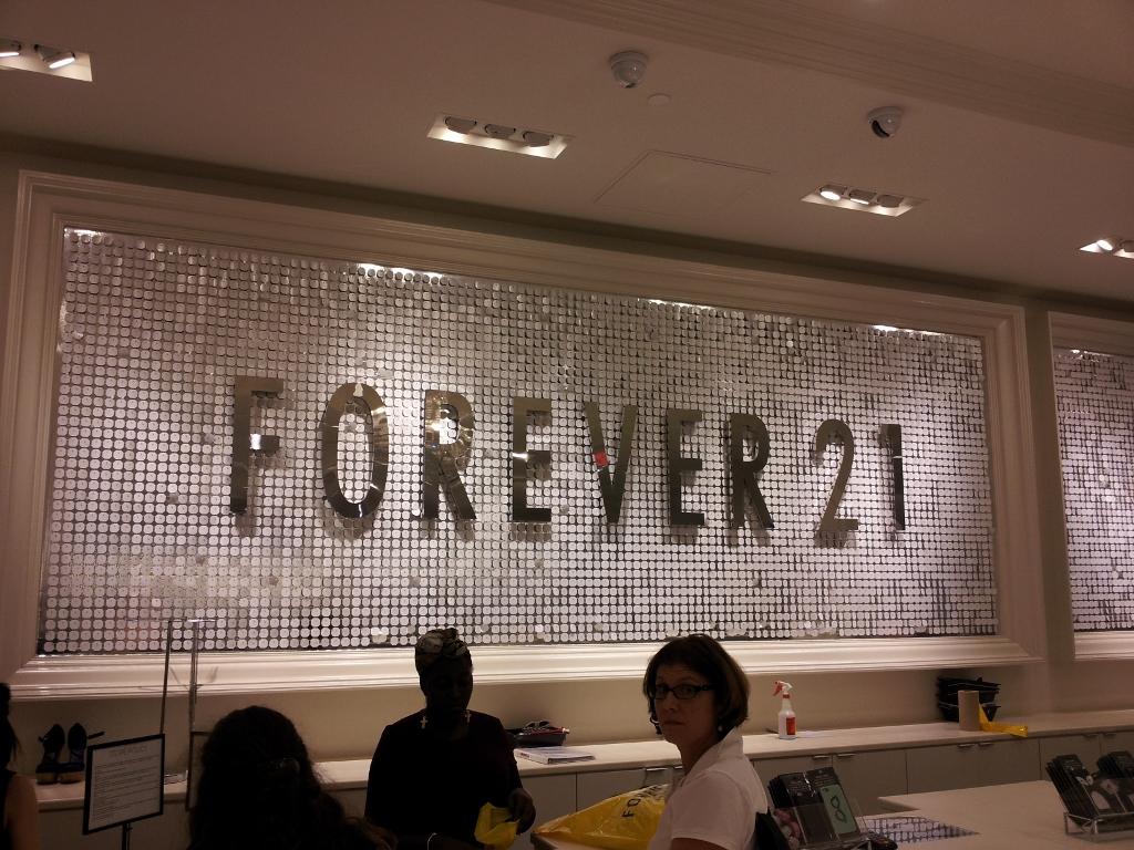 Forever 21 Wellington SolaRay Cashwrap (1024x768).jpg