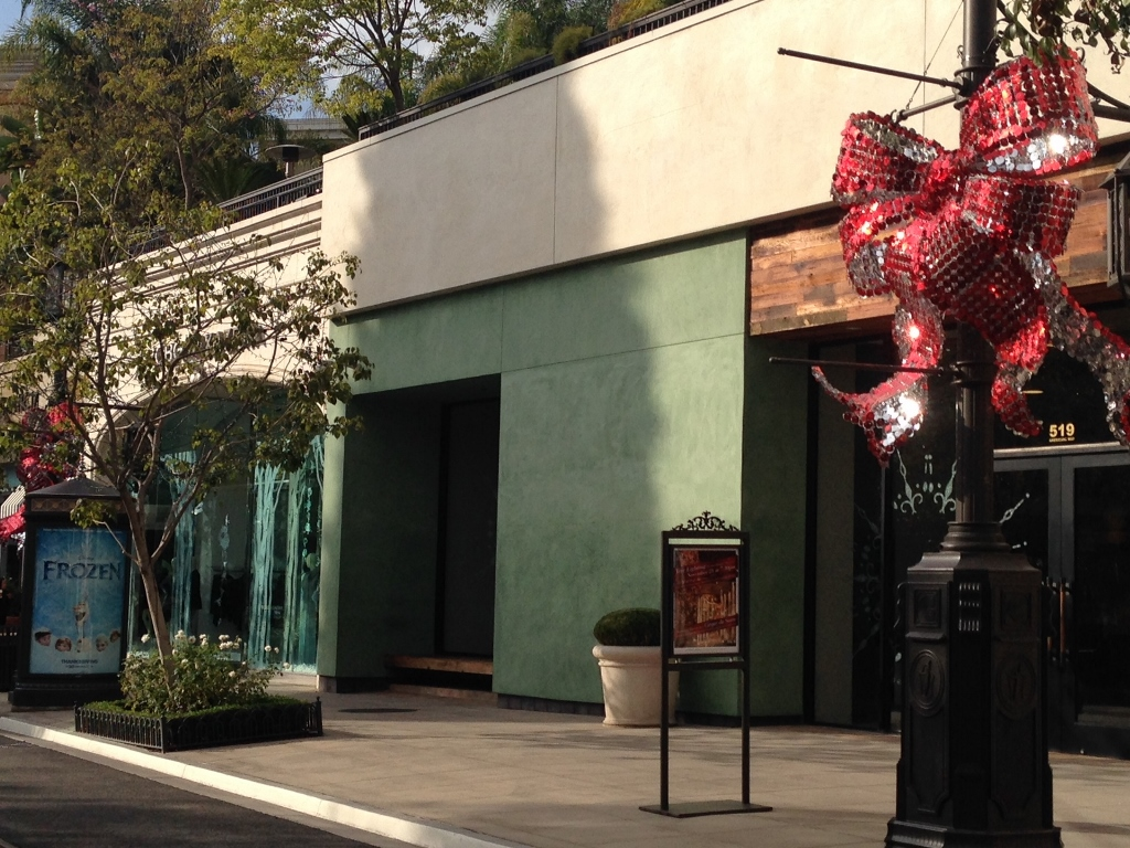 Americana Venue Arts Holiday SolaRay Bows (6).jpg