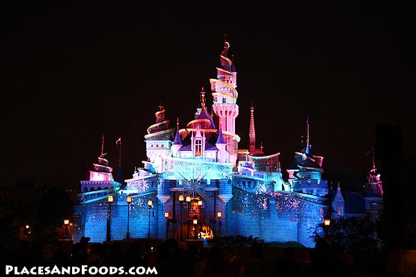 Disneyland-Hong-Kong1 (600x400).jpg