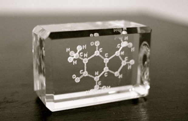 how does laser etching on glass work