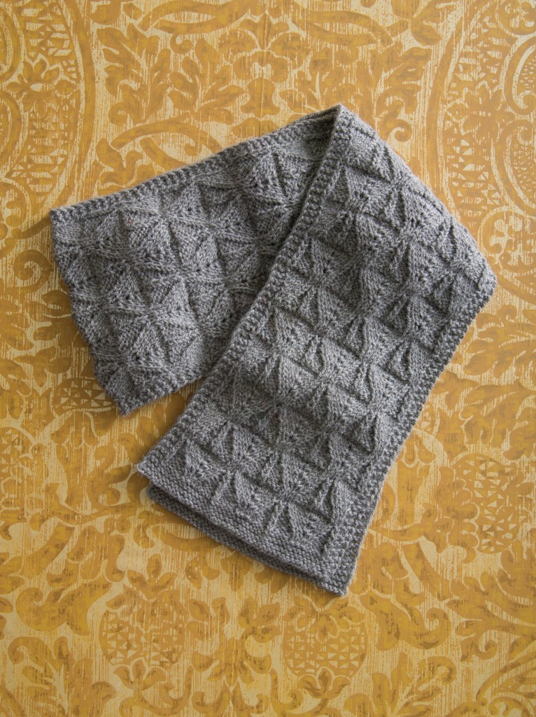 Holli Yeoh | Shades of Gray: Worsted Weight Scarf