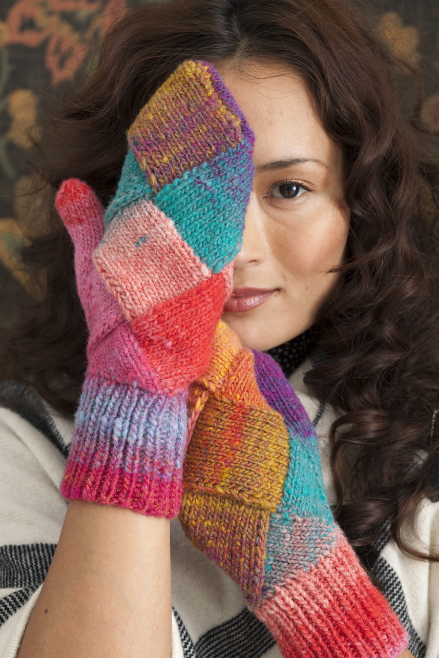 Entrelac Mittens knitting pattern by Holli Yeoh | Noro Accessories