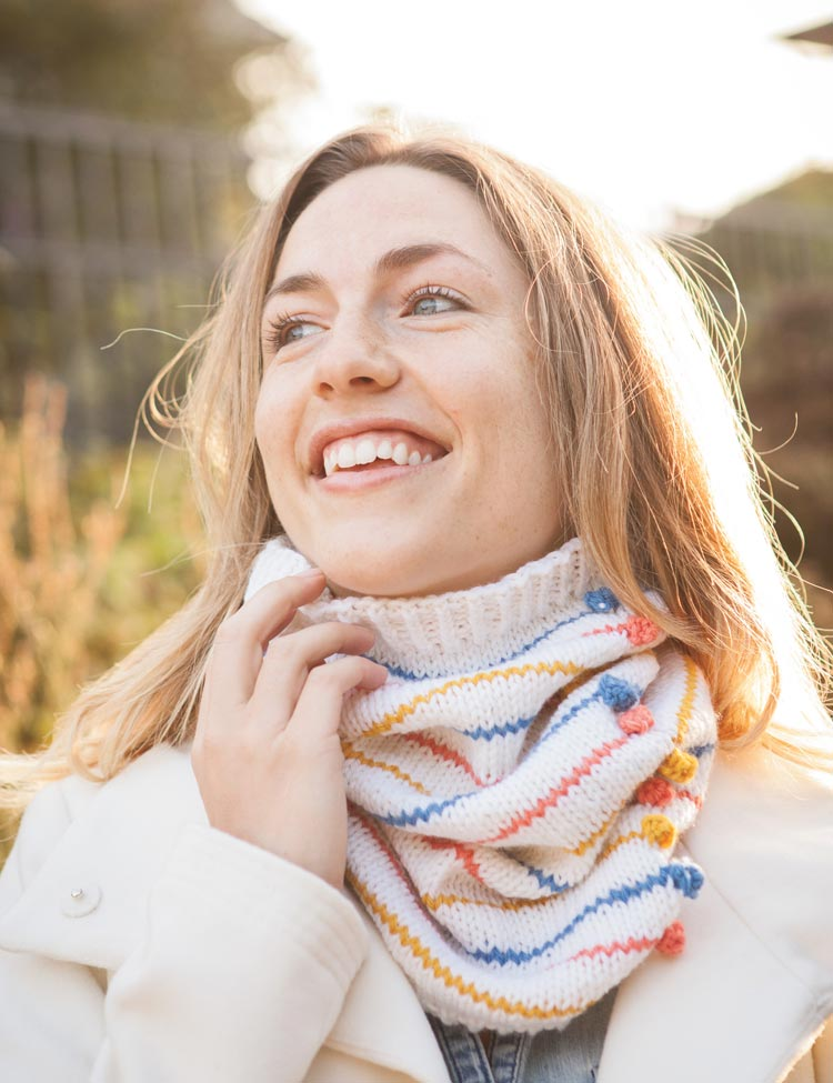 Eclate Cowl knitting pattern by Holli Yeoh | Charmed: Whimsical Knitted Accessories