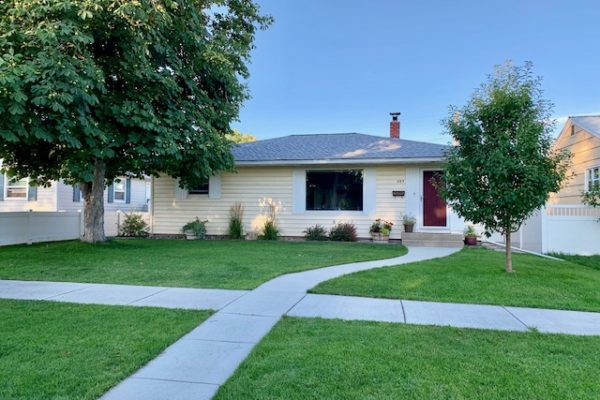 485 3rd Avenue WN, (MLS#21915415)  Under Contract!