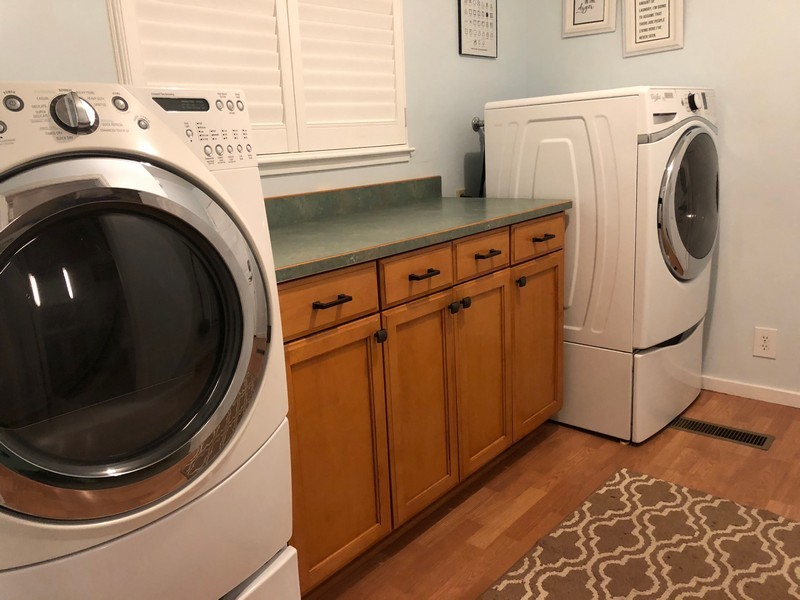 washer dryer and counter