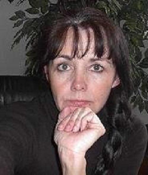 Suspense writer, Mary Alford | https://juliesaffrin.com