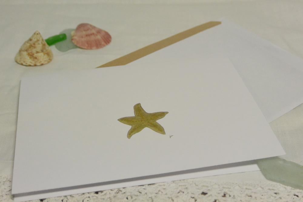 A little golden starfish blank greeting card | https://juliesaffrin.com