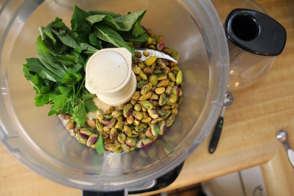 gluten-free pistachio crust in food processor