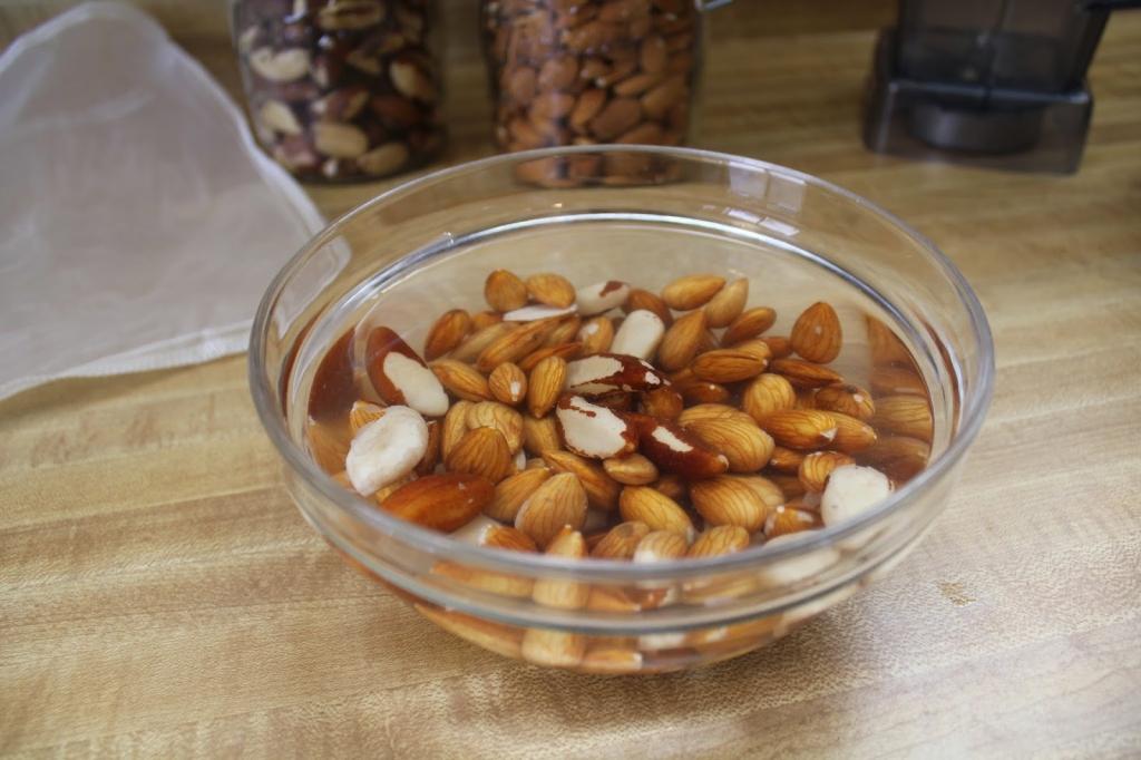 wbco-soaking-almonds