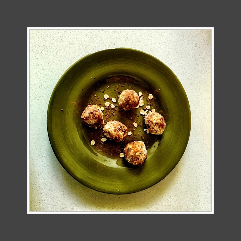 cashew nut energy balls