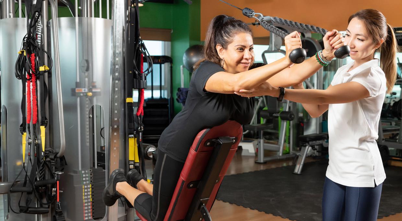 gym training at in shape dubai