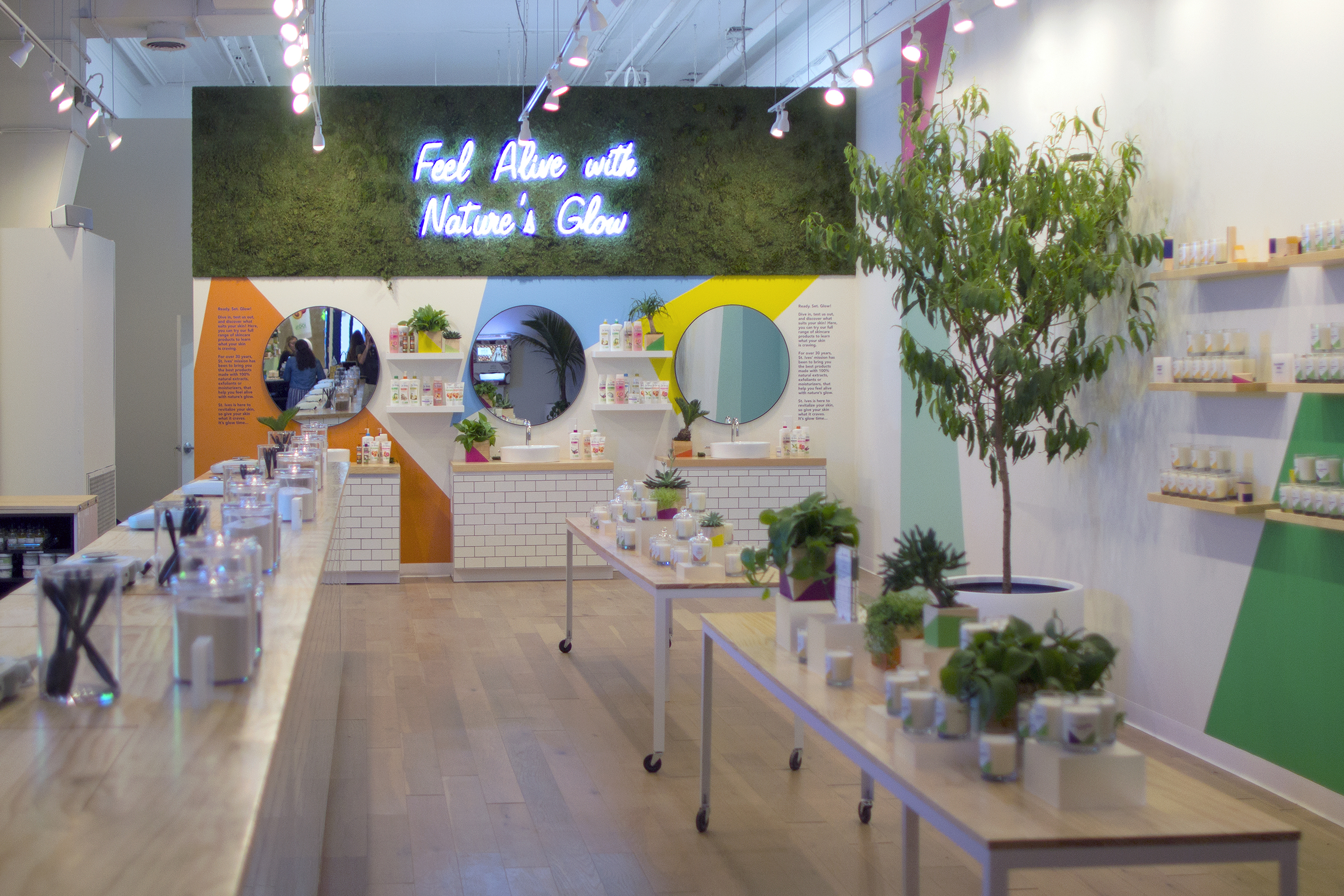 St. Ives Opens Custom-Blend Facial Scrub and Body Lotion Pop Up