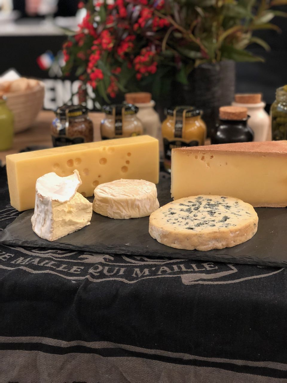 Impress Fromage Lovers With the Best Cheese Pairings This Season