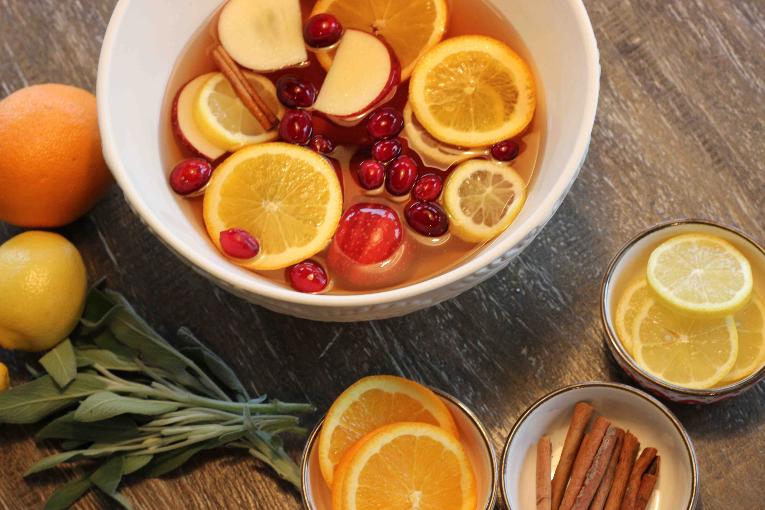 These Easy Holiday Cocktails Are Bound To Make Your Spirits Bright