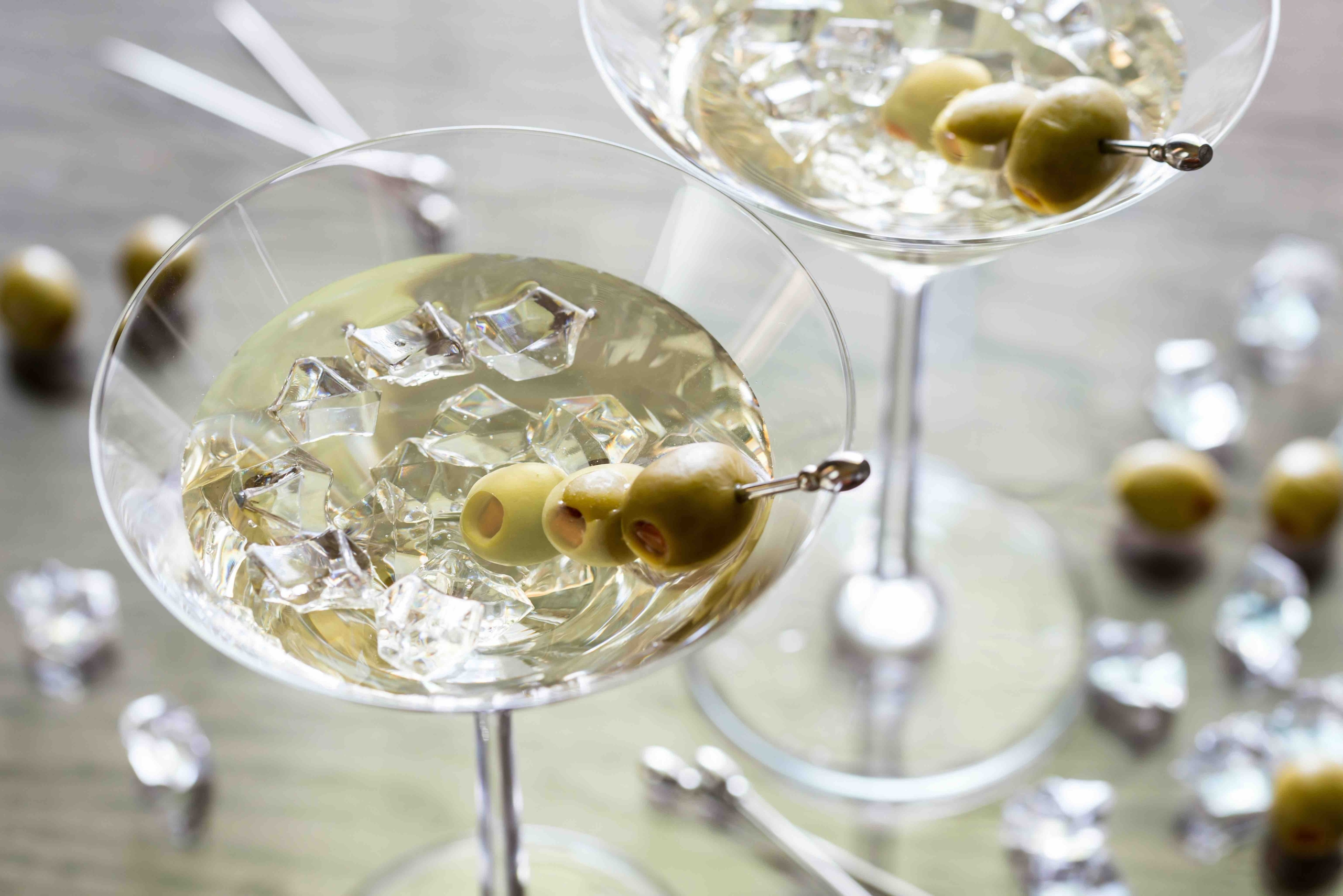 8 Cocktail Recipes To Drink Before Dinner And After Dinner