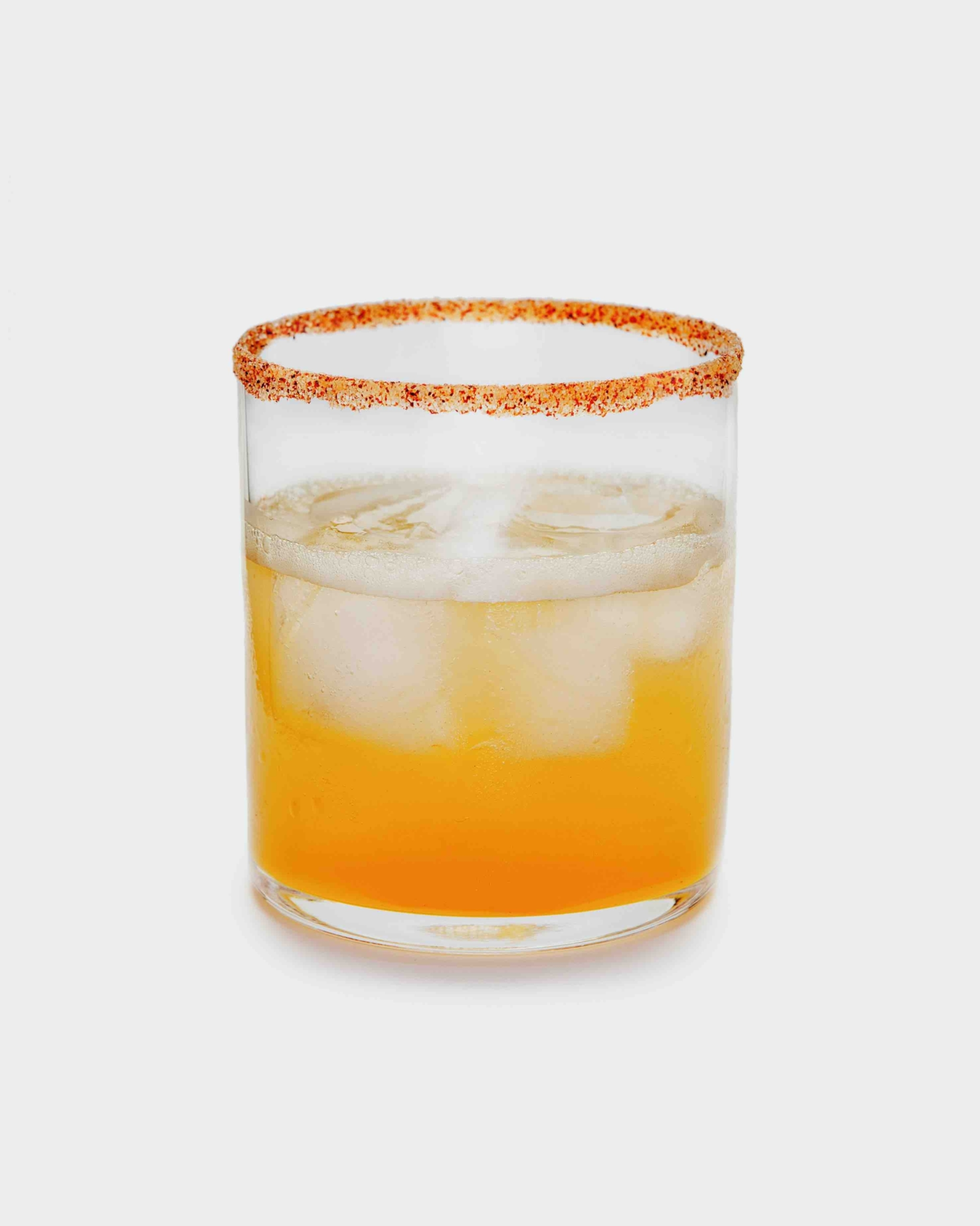 Delicious At Home Cocktails To Whip Up This Labor Day Weekend